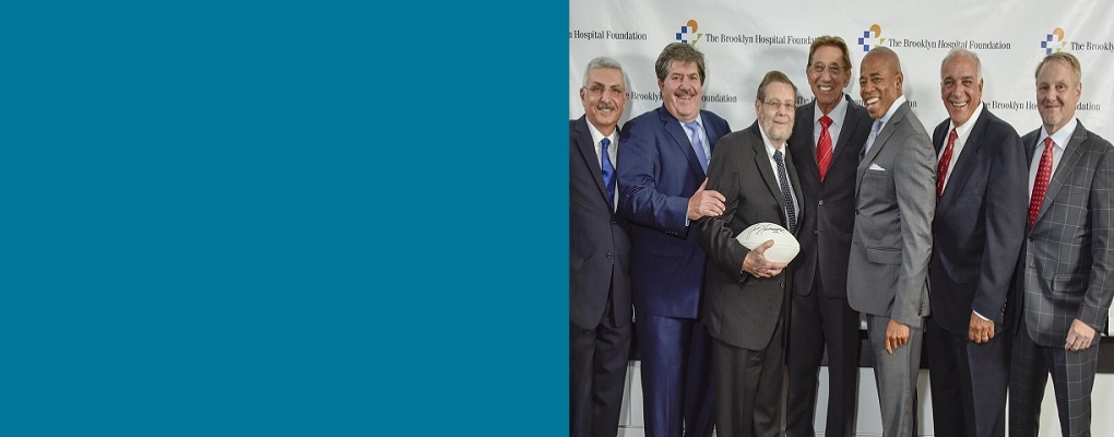 Pro football Hall-of-Famer, Joe Namath and hospital leaders and physicians at the 2017 Founders Ball.